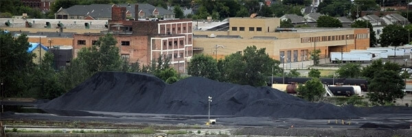 Oil Refineries in Chicago Face Class Action Over Petcoke Piles